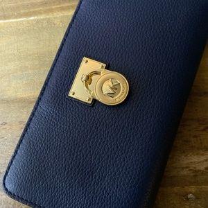 Michael Kors Hamilton Large Zip Wallet Navy